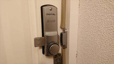 デジタルドアロック内側